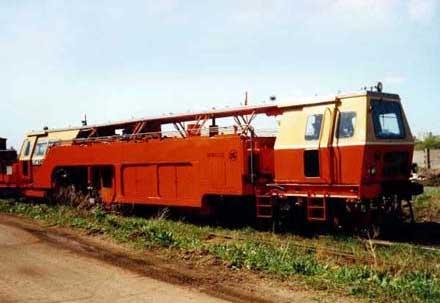 Машина выправочно-подбивочно-рихтовочная ВПРС-02 предназначена для выправки железнодорожного пути в продольном и...